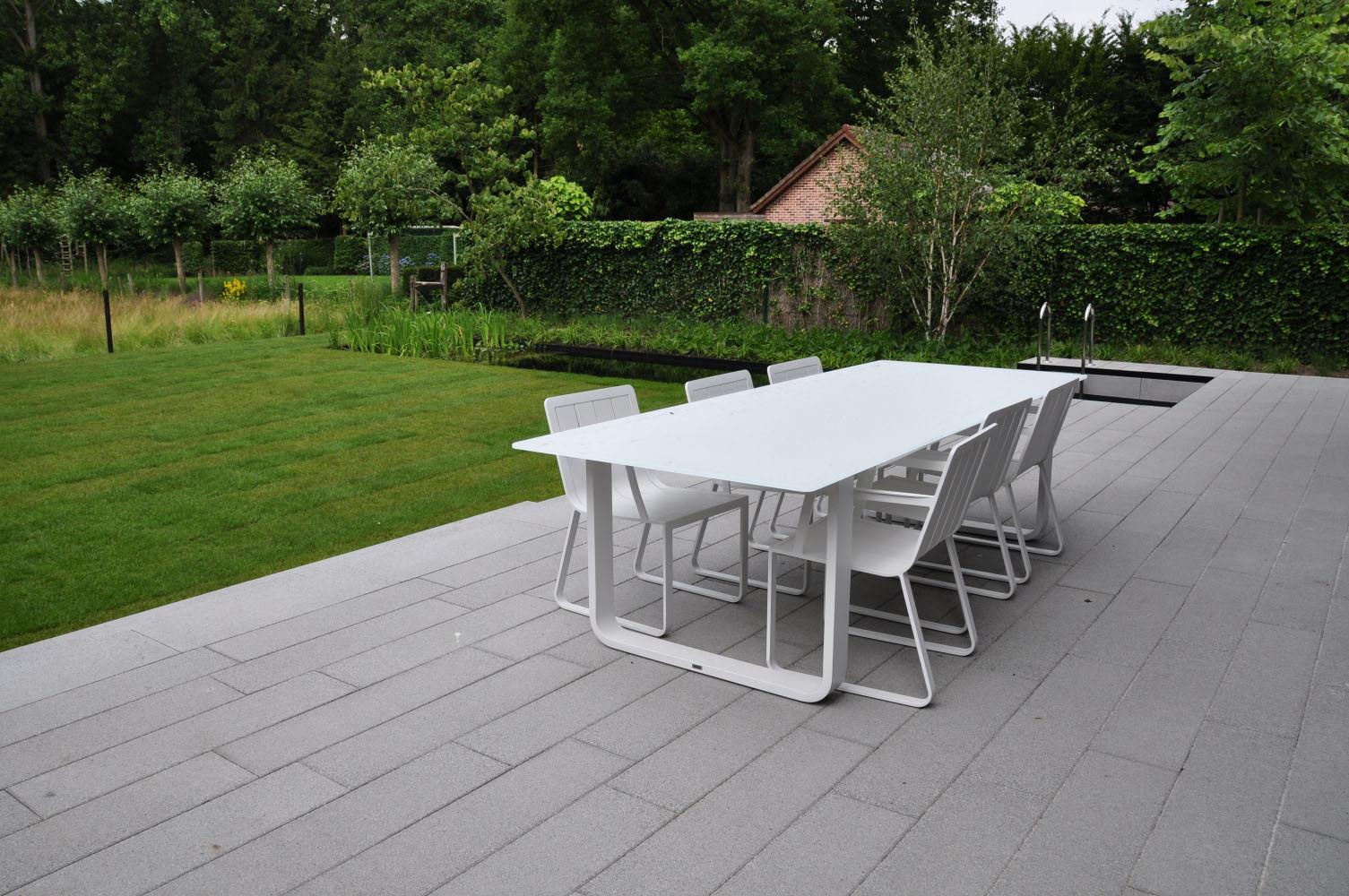 Tuin Laten Aanleggen : Moderne tuin aanleggen